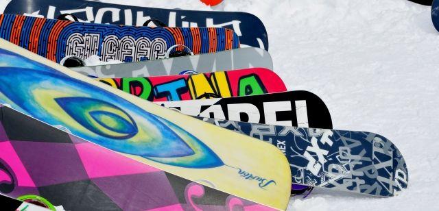 スノーボードの板はこうやって選ぶ。ボード初心者が選ぶボードはこれだ!